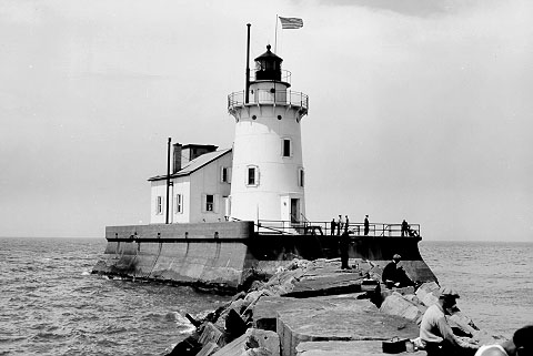 Image of the lighthouse located on Cleveland Harbor's West Pier. (Coast Guard Collection)